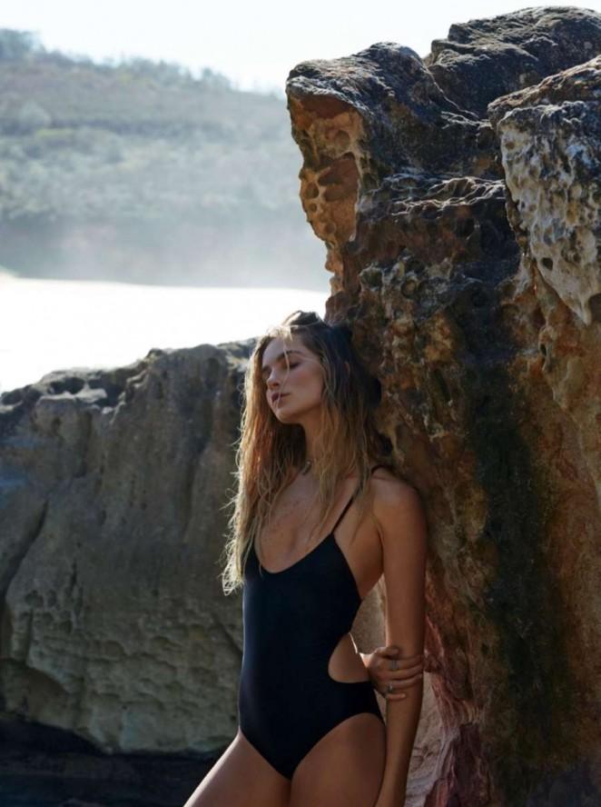 Bridget Malcolm: Elle Australia 2015 -08