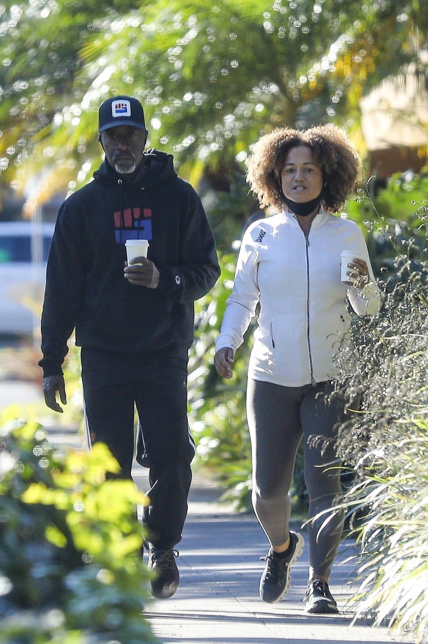 Bridgid Coulter - Steps out for a morning walk in Santa Monica