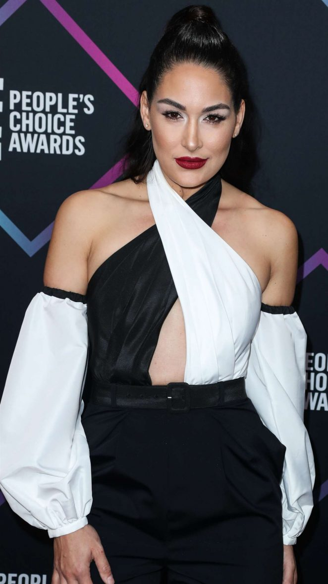 Brie Bella 2018 : Brie and Nikki Bella: Peoples Choice Awards 2018 -05