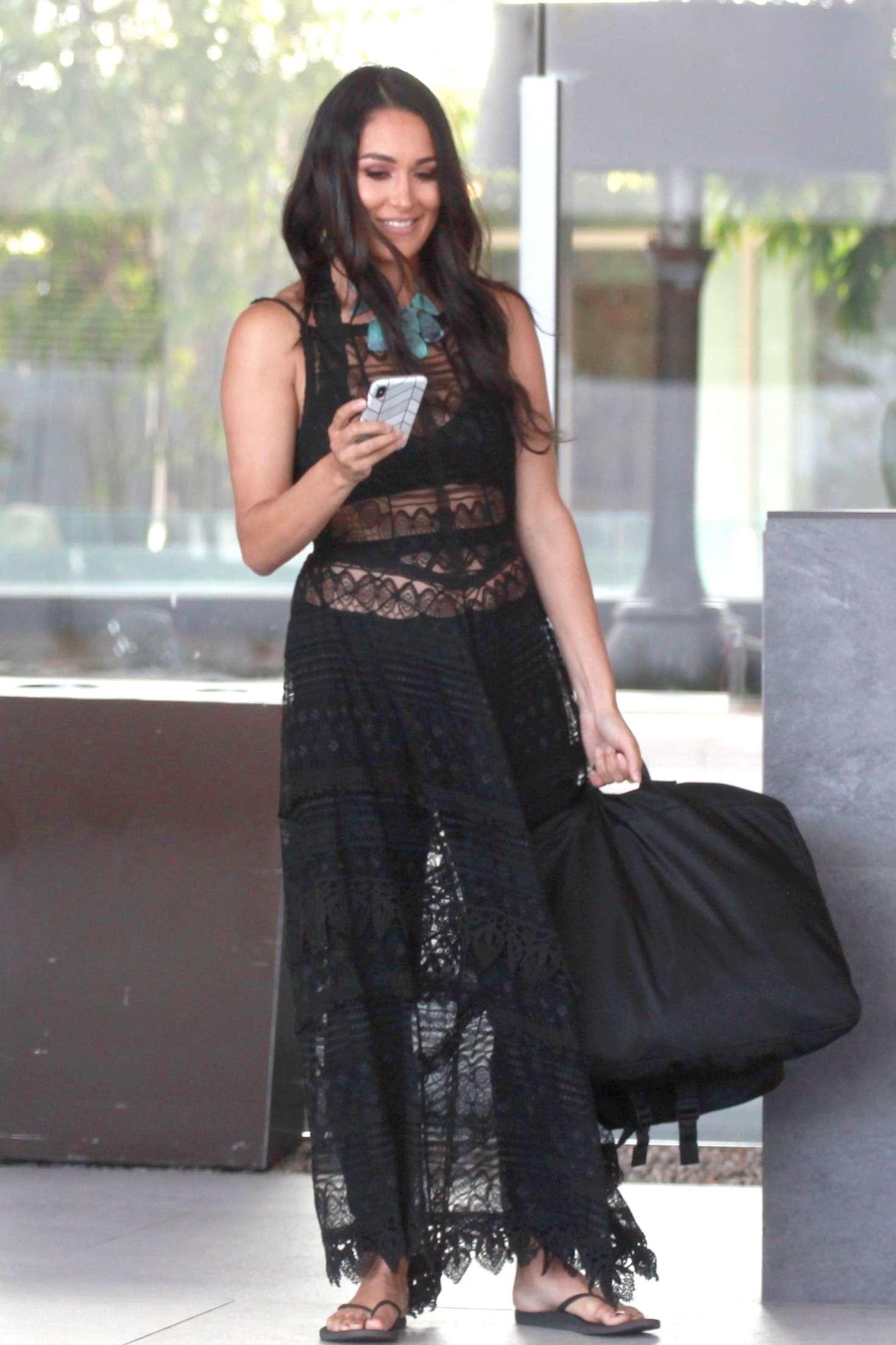 Brie Bella 2018 : Brie Bella: Arriving at LAX Airport -03