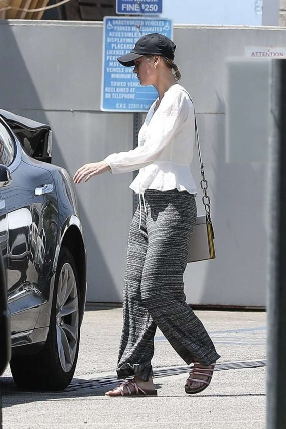 Brie Larson - Outside a gym in Los Angeles