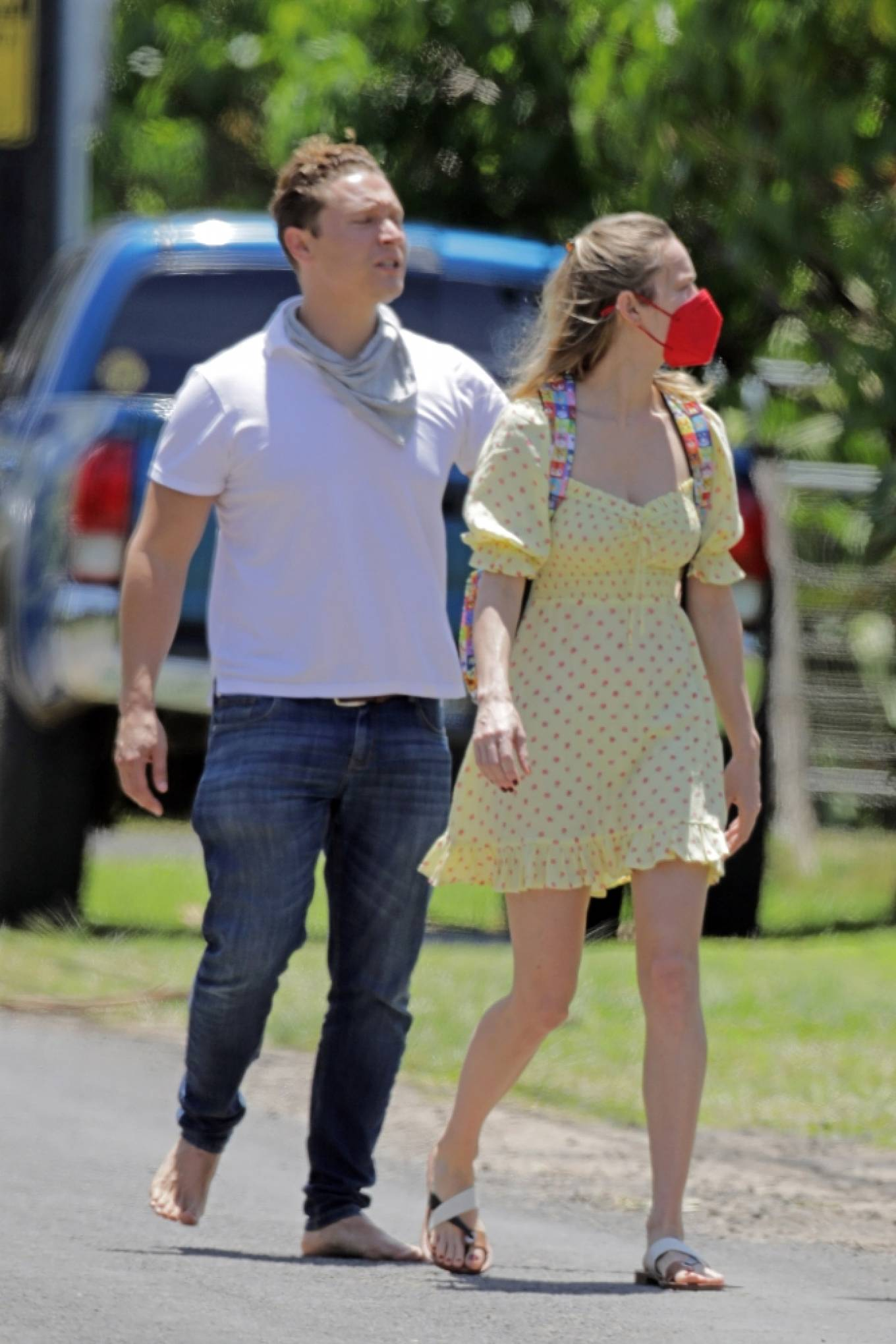 Brie Larson 2021 : Brie Larson – Tours a couple of homes for sale in Hawaii-08