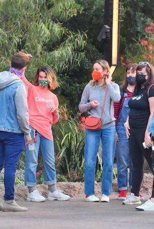 Brie Larson - With boyfriend Elijah Allan-Blitz seen at Disneyland with friends