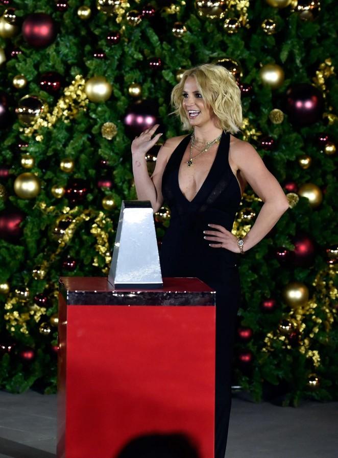 Britney Spears: Christmas Tree Lighting Ceremony LINQ Promenade -04