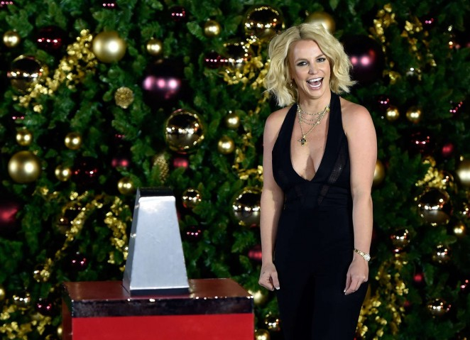 Britney Spears: Christmas Tree Lighting Ceremony LINQ Promenade -12