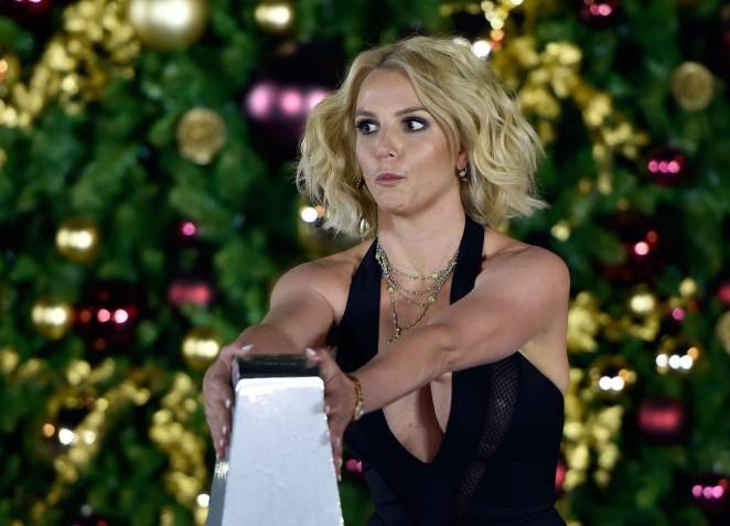 Britney Spears: Christmas Tree Lighting Ceremony LINQ Promenade -13