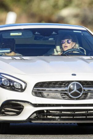 Britney Spears - Driving in Thousand Oaks with San Asghari