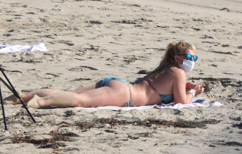 Uncategorized 2020 : Britney Spears – In Bikini at a Beach in Malibu-16