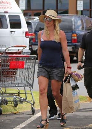 Britney Spears in Shorts in Hawaii
