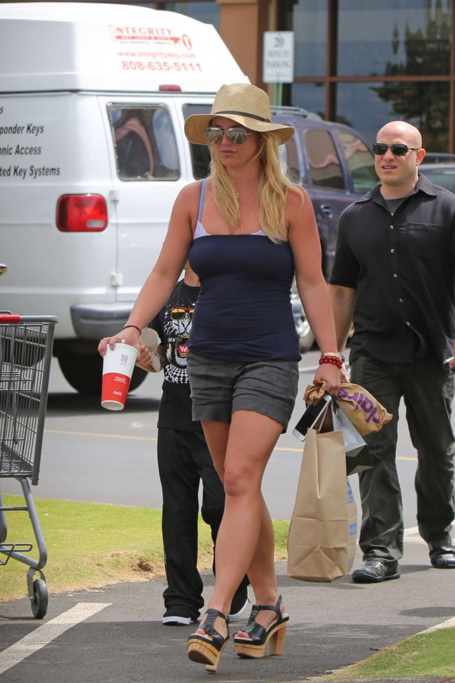 Britney Spears in Shorts -09