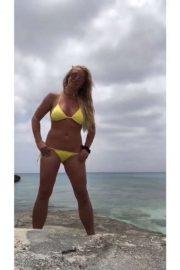 Britney Spears in Yellow Bikini - Personal pics