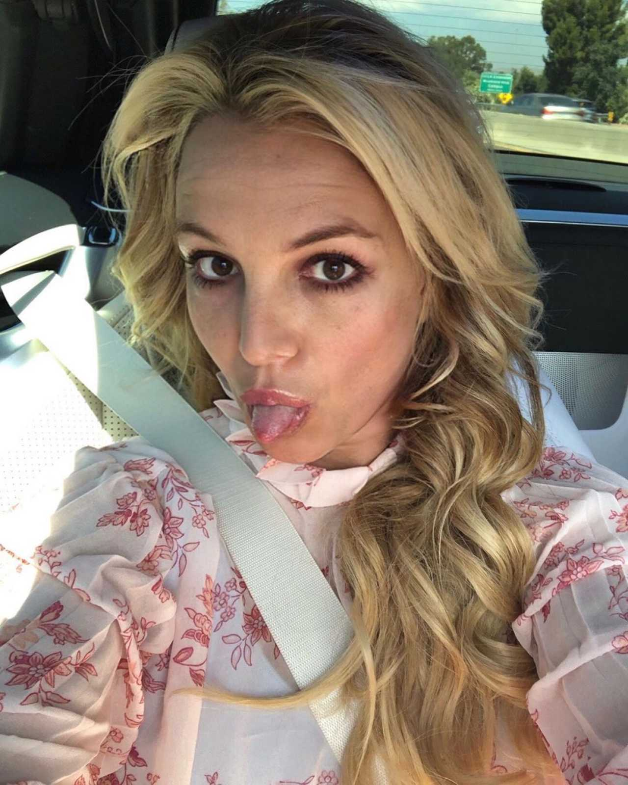 Britney Spears - Instagram and social media pics-30 | GotCeleb