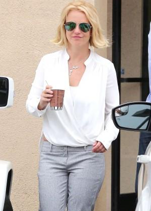 Britney Spears - Leaves Bakery in LA