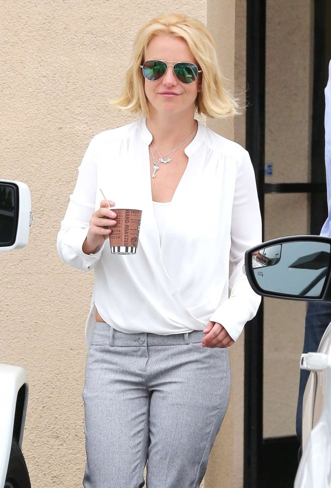 Britney Spears - Leaves Bakery in LA