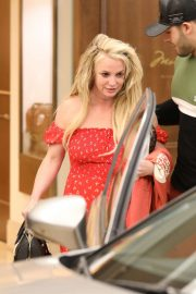 Britney Spears - Leaves The Montage Hotel in Beverly Hills