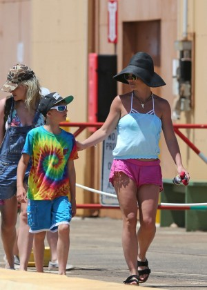 Britney spears on captain andy s sail boat tour in hawaii