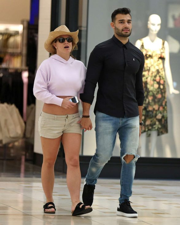 Britney Spears - out and about in Los Angeles