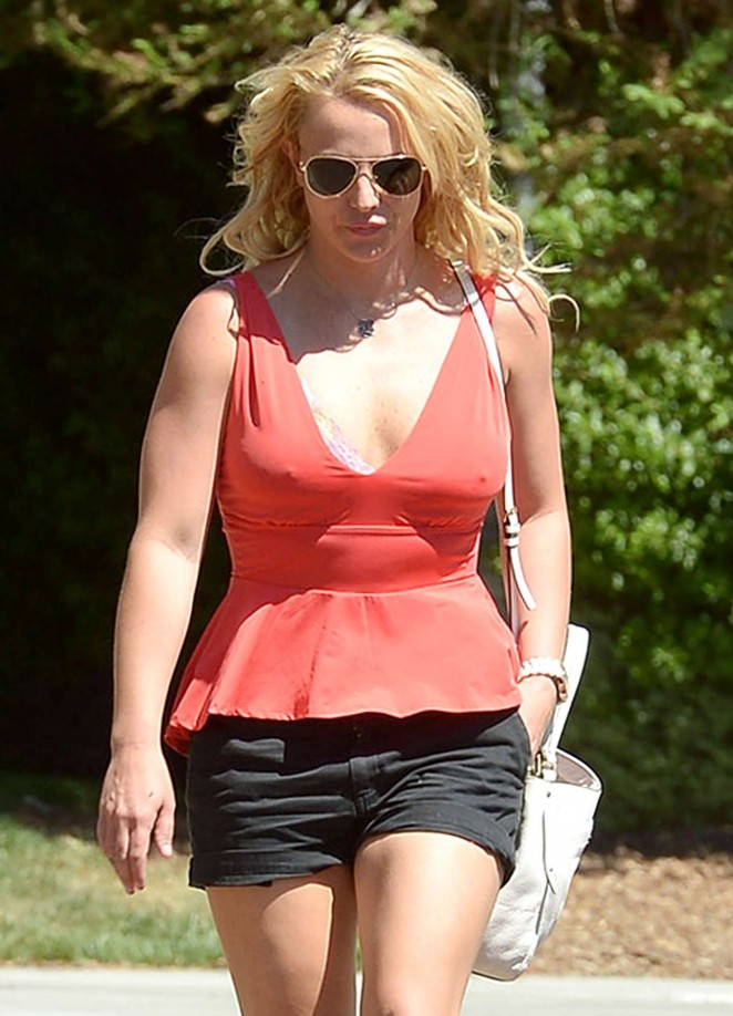 Britney Spears - Out for breakfast in Calabasas