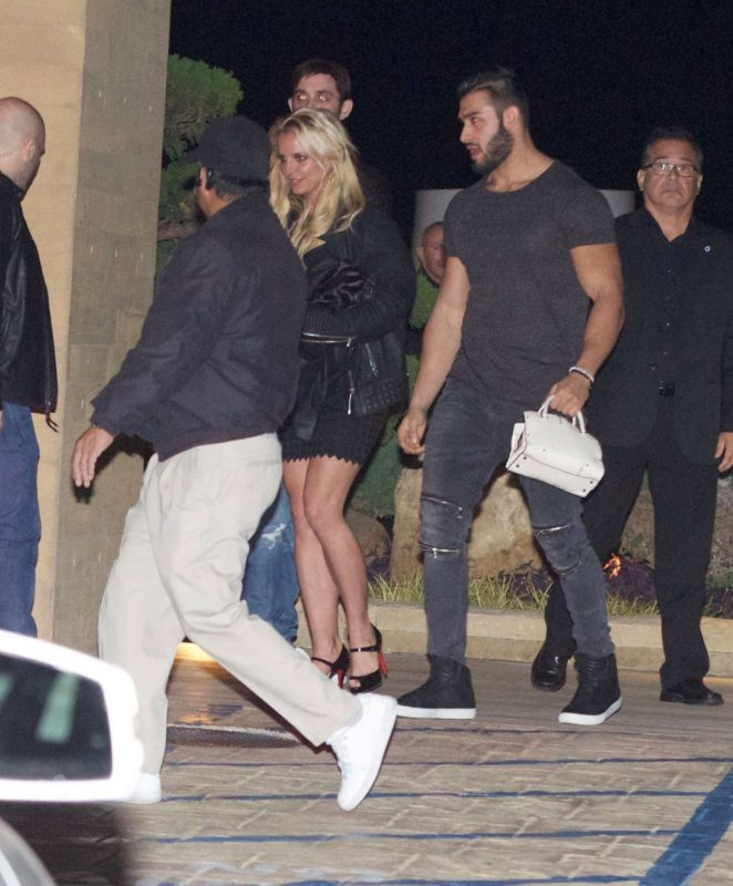 Britney Spears Out for dinner at Nobu restaurant in Malibu