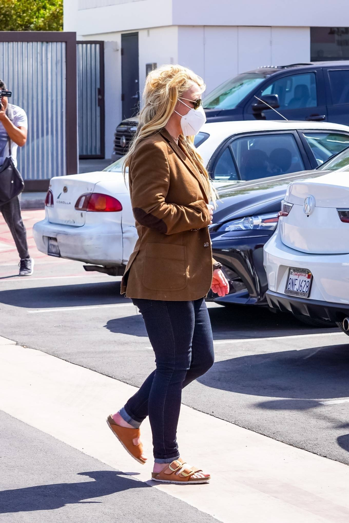 Britney Spears 2021 : Britney Spears – Out for shopping -02