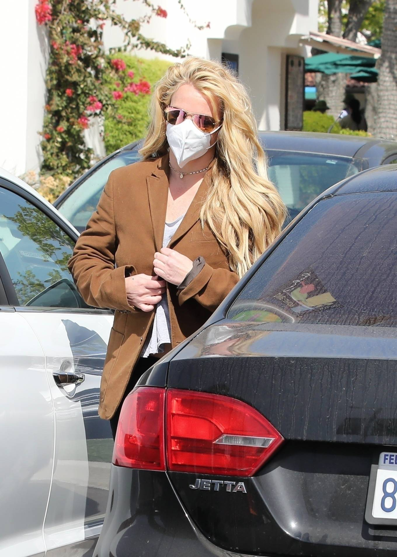 Britney Spears 2021 : Britney Spears – Out for shopping -09