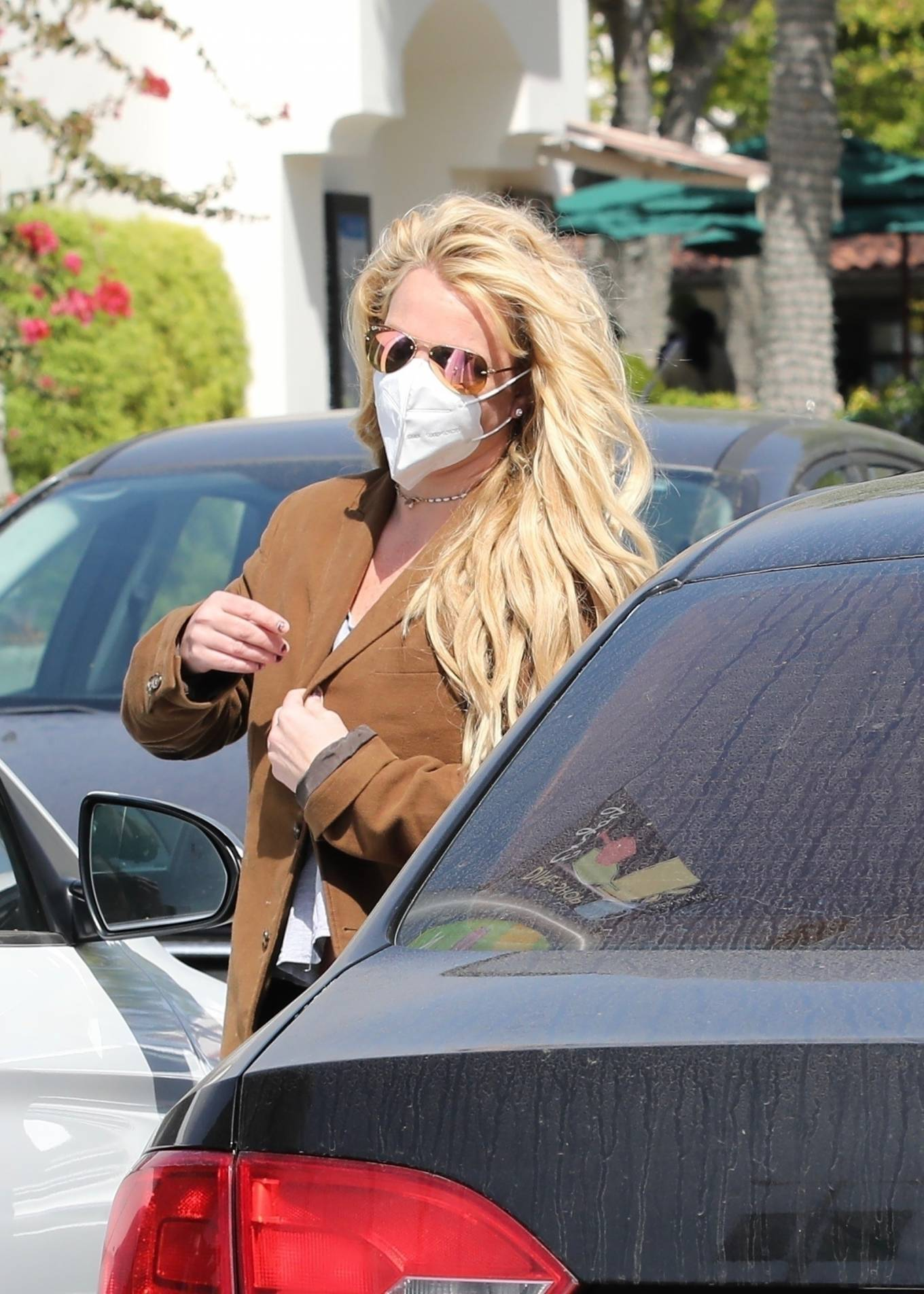 Britney Spears 2021 : Britney Spears – Out for shopping -14