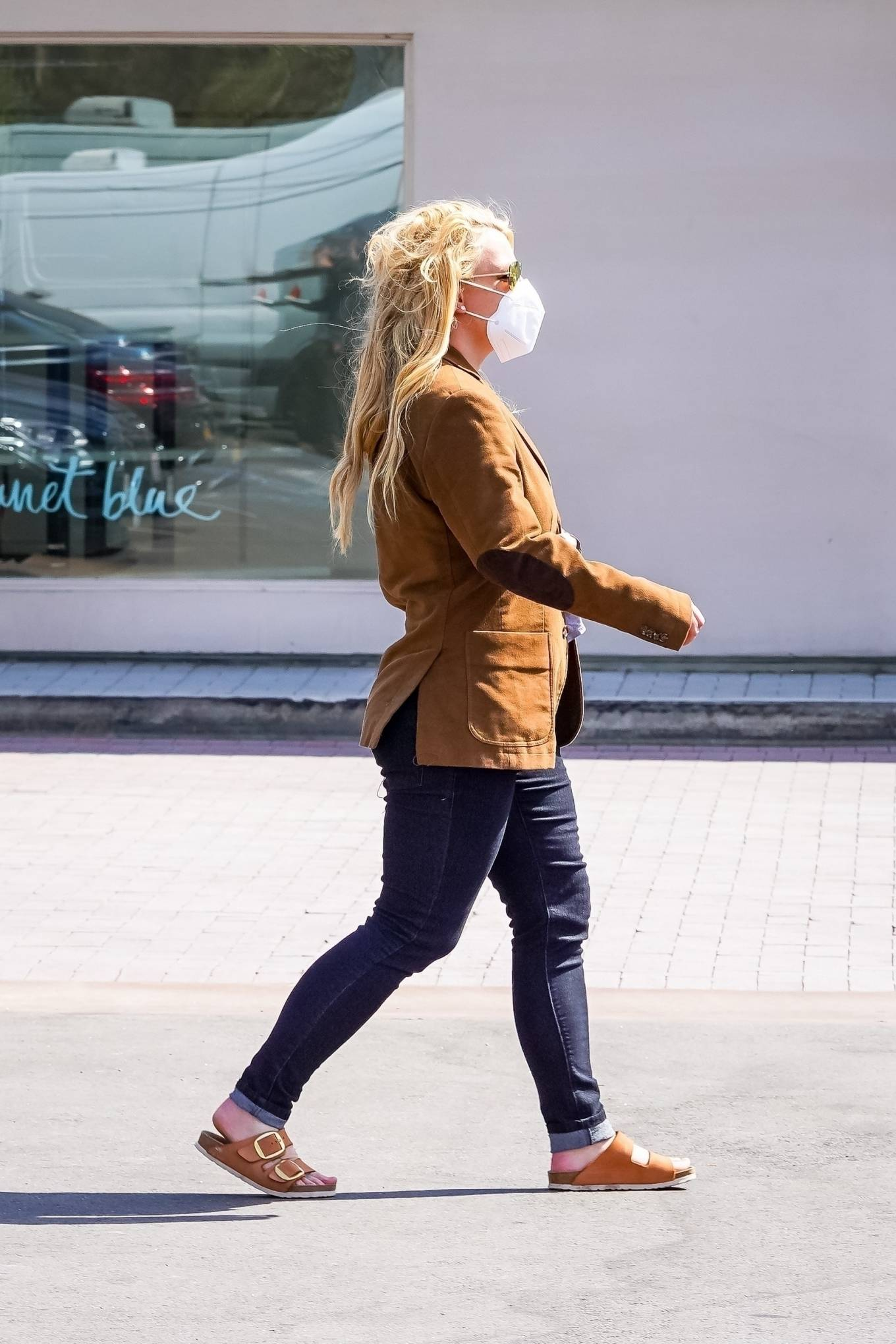 Britney Spears 2021 : Britney Spears – Out for shopping -18
