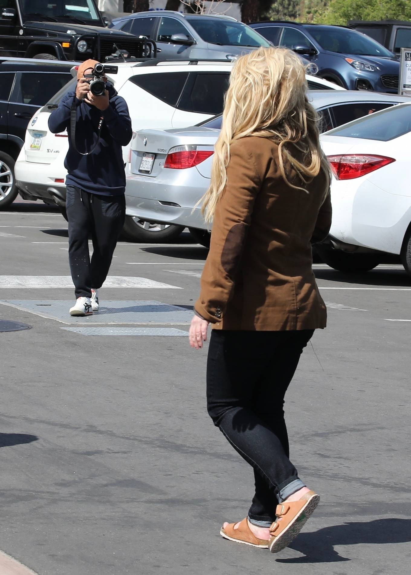 Britney Spears 2021 : Britney Spears – Out for shopping -25