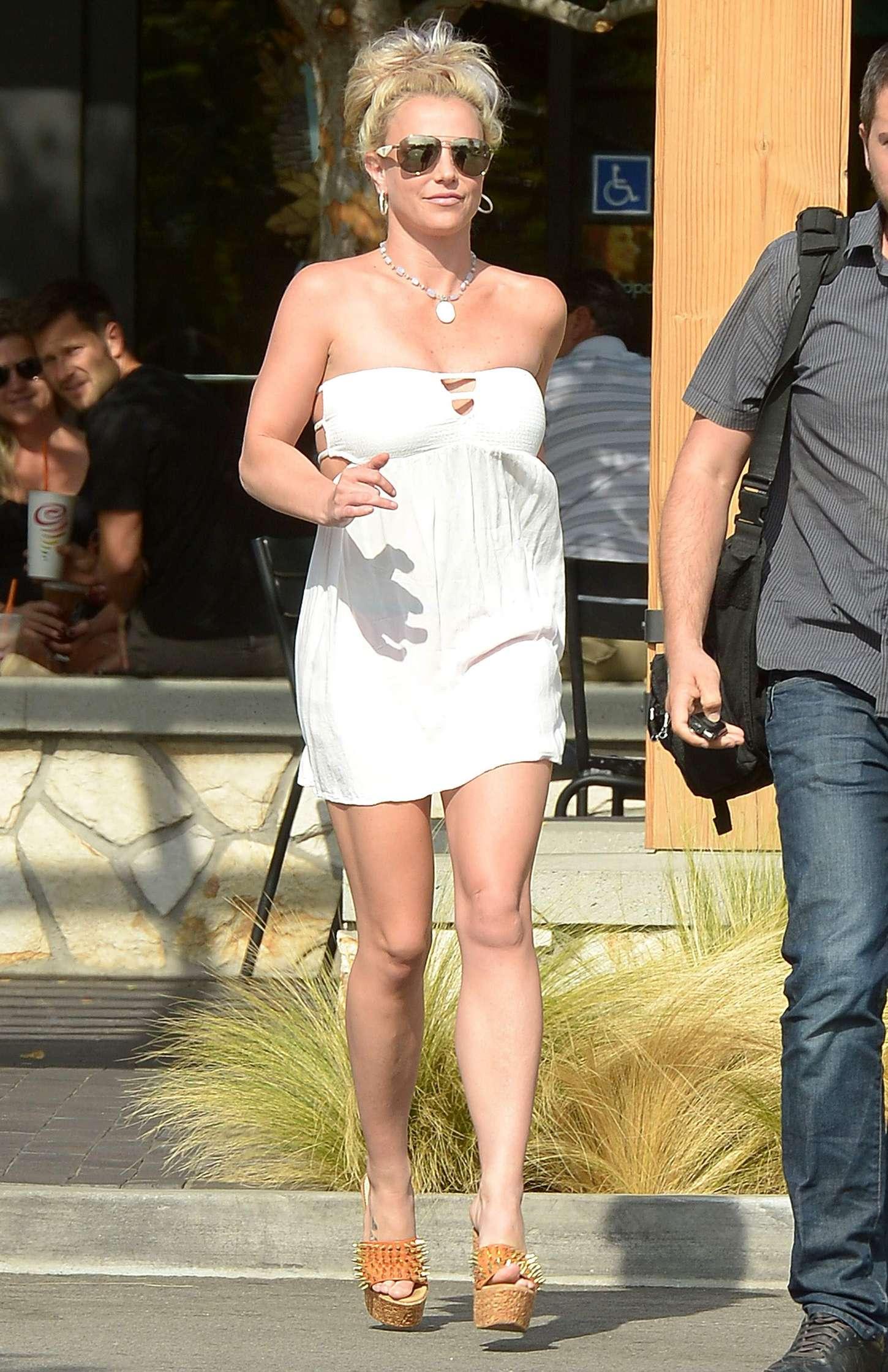 Britney Spears 2015 : Britney Spears in Short Dress -01