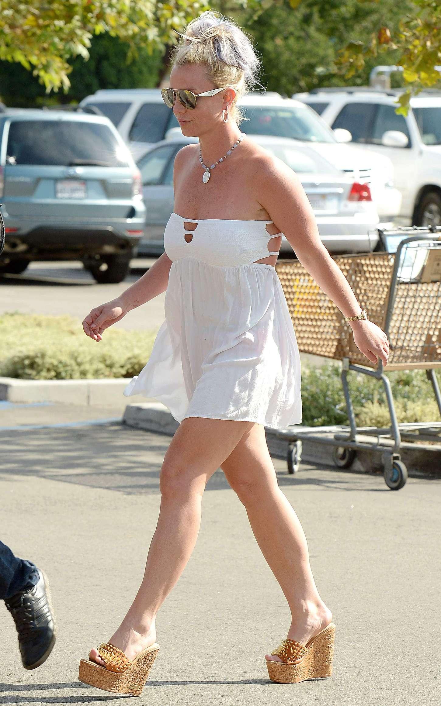 Britney Spears In Short Dress 03 Gotceleb