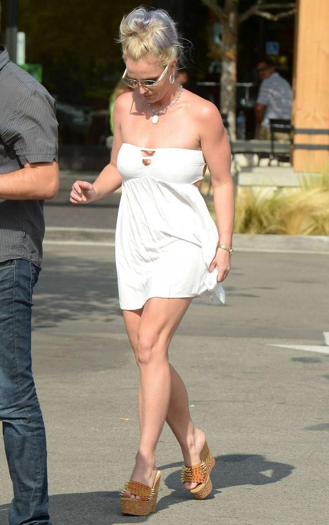 Britney Spears 2015 : Britney Spears in Short Dress -06