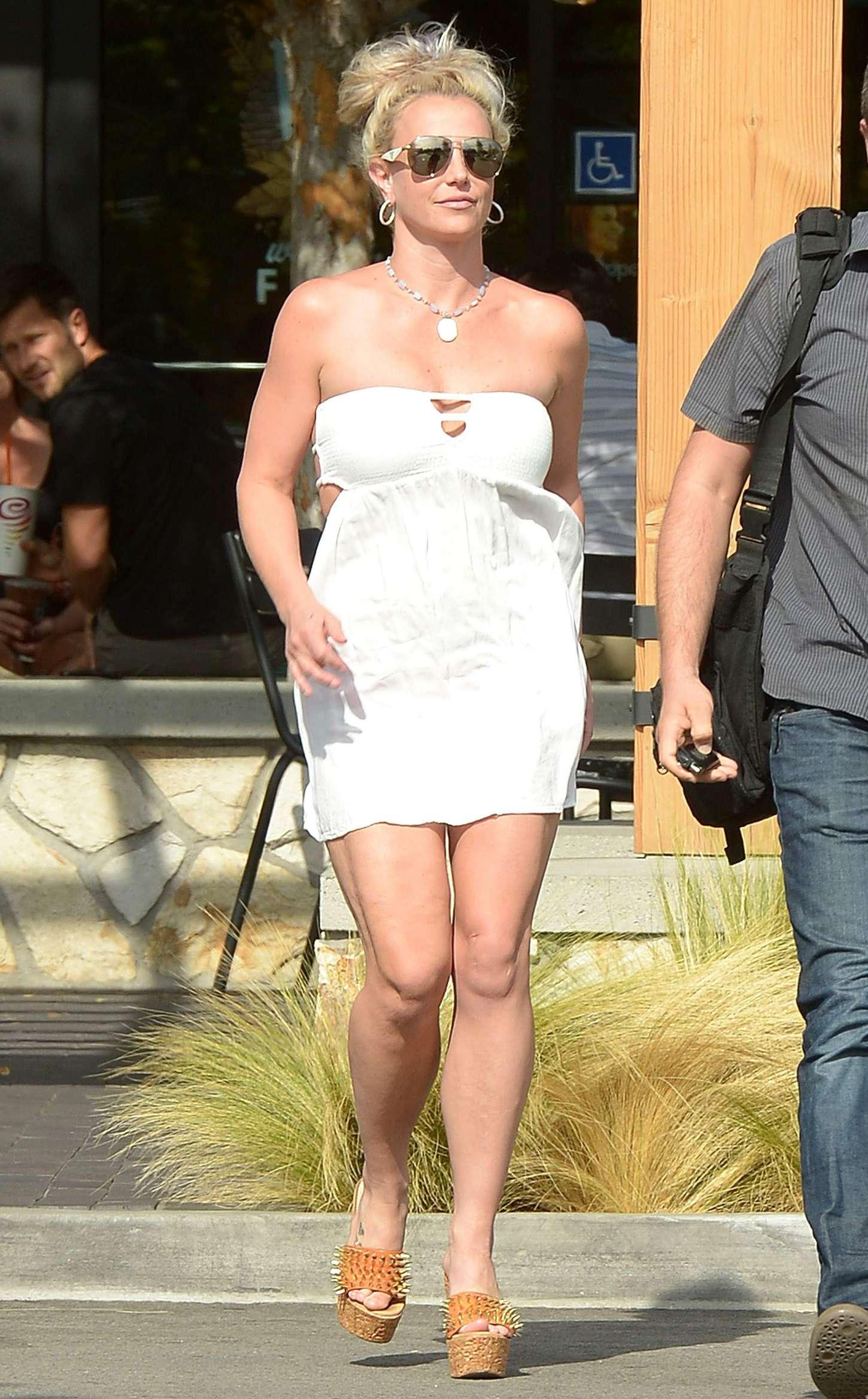 Britney Spears 2015 : Britney Spears in Short Dress -10