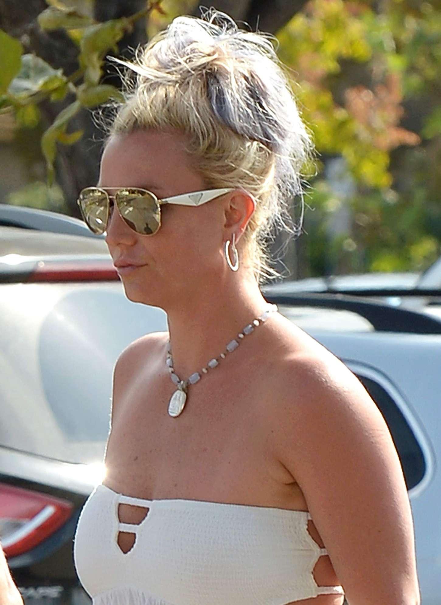 Britney Spears 2015 : Britney Spears in Short Dress -12