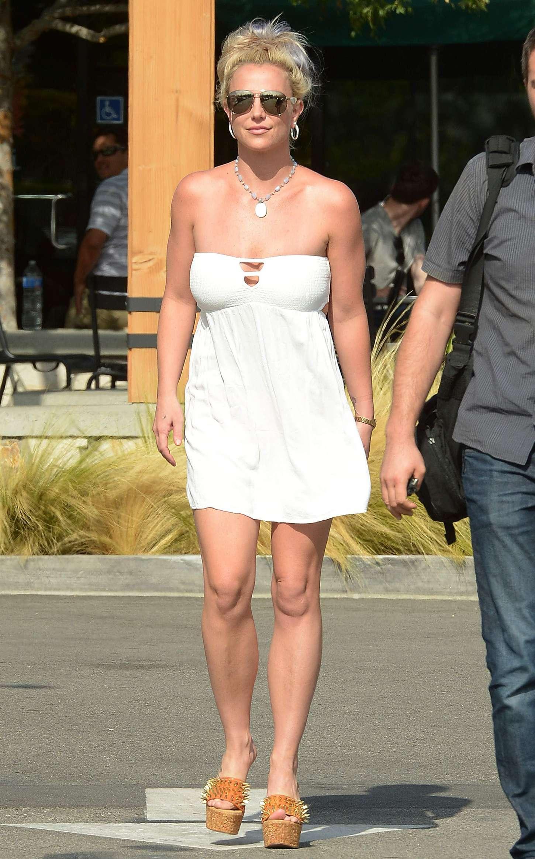 Britney Spears 2015 : Britney Spears in Short Dress -15
