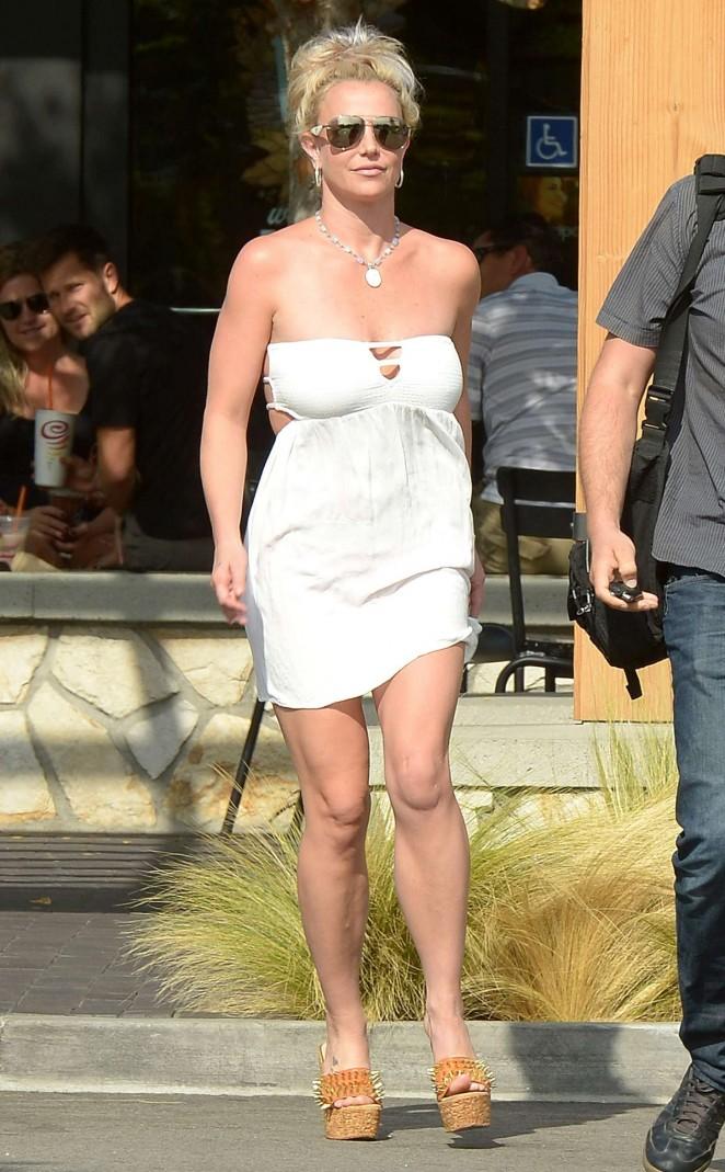 Britney Spears 2015 : Britney Spears in Short Dress -20