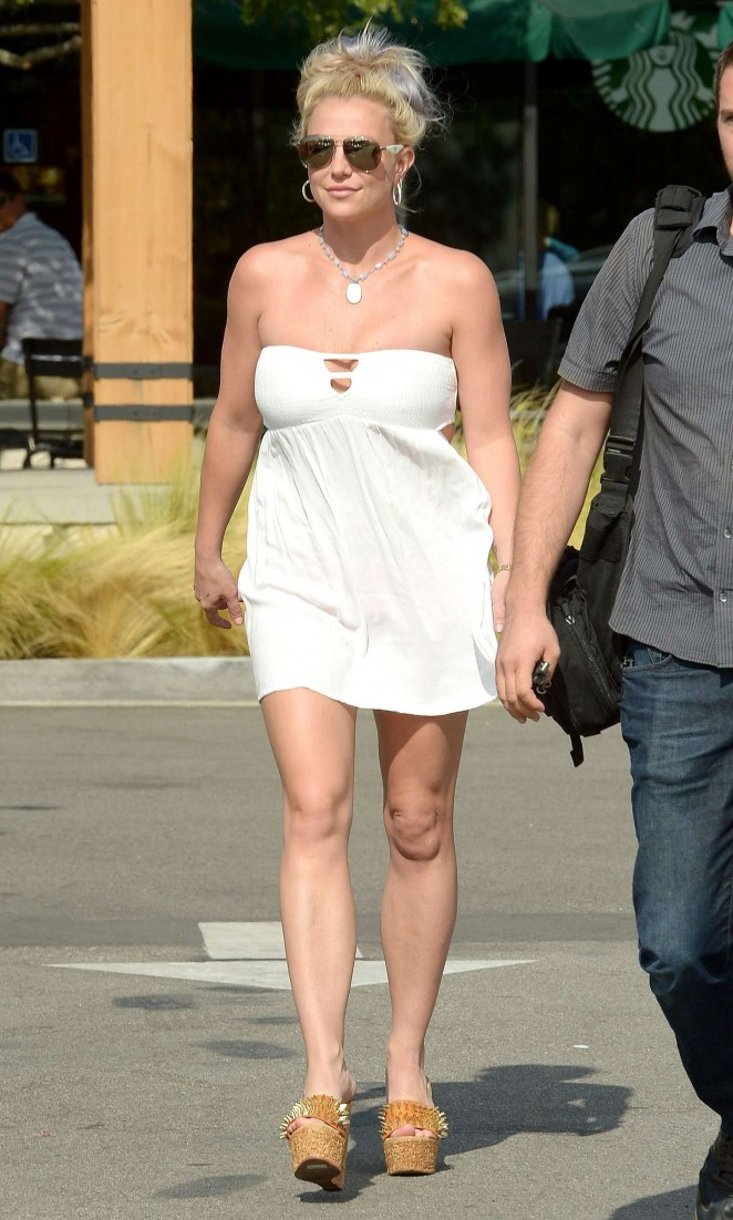 Britney Spears 2015 : Britney Spears in Short Dress -22