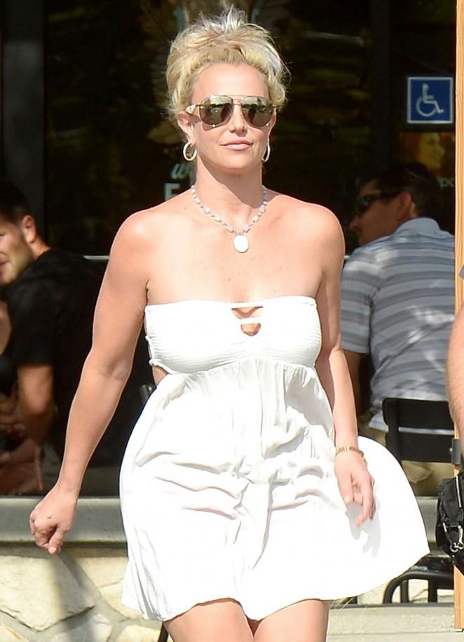Britney Spears 2015 : Britney Spears in Short Dress -23