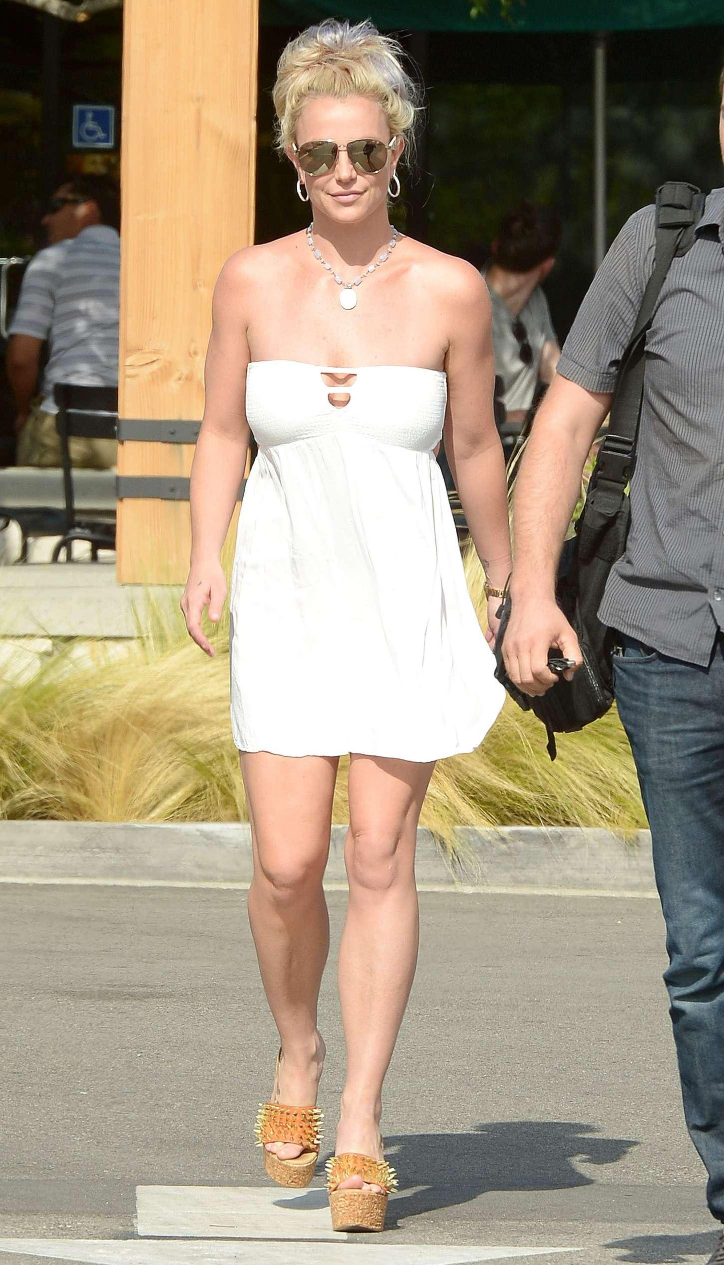 Britney Spears 2015 : Britney Spears in Short Dress -24