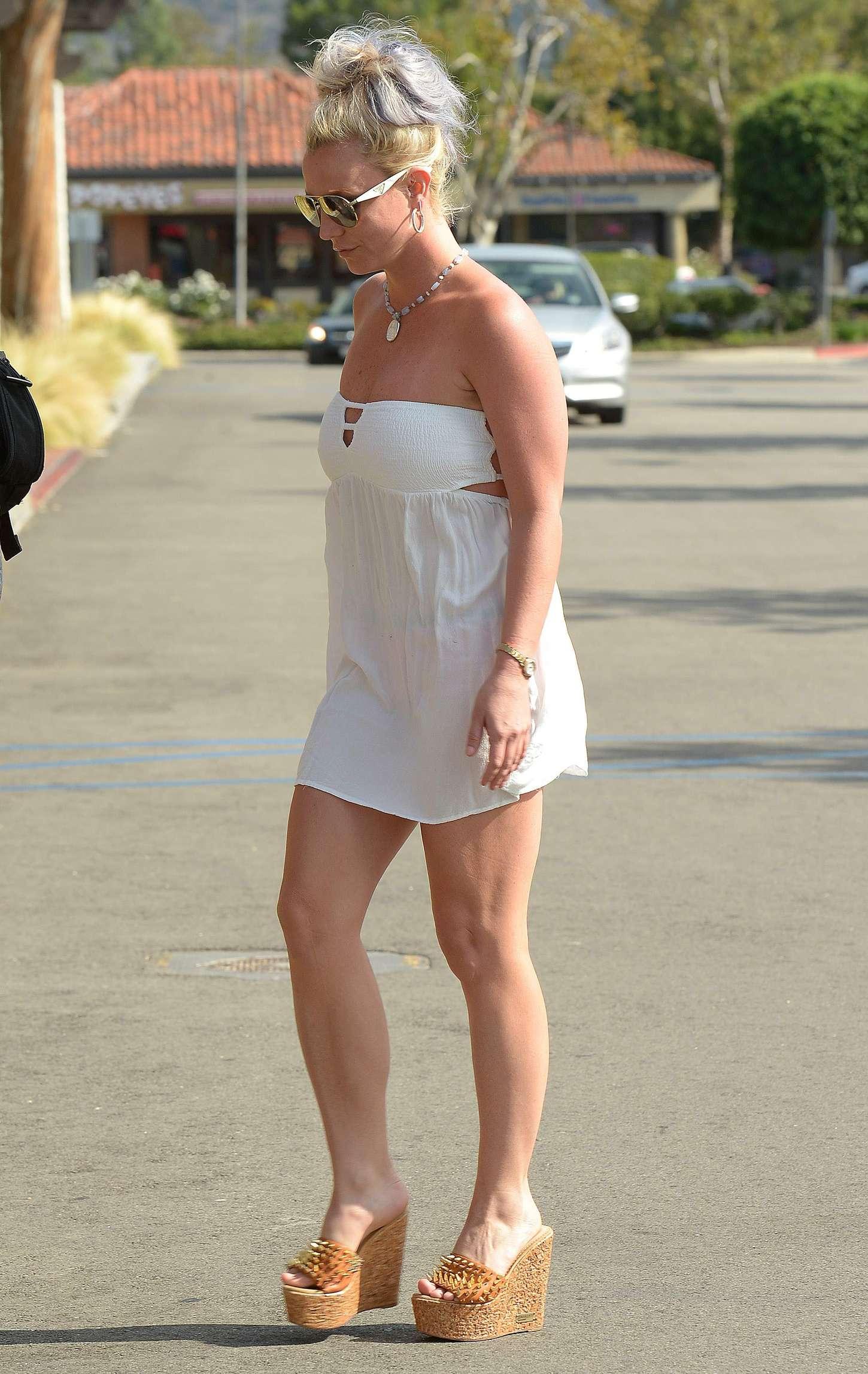 Britney Spears 2015 : Britney Spears in Short Dress -25