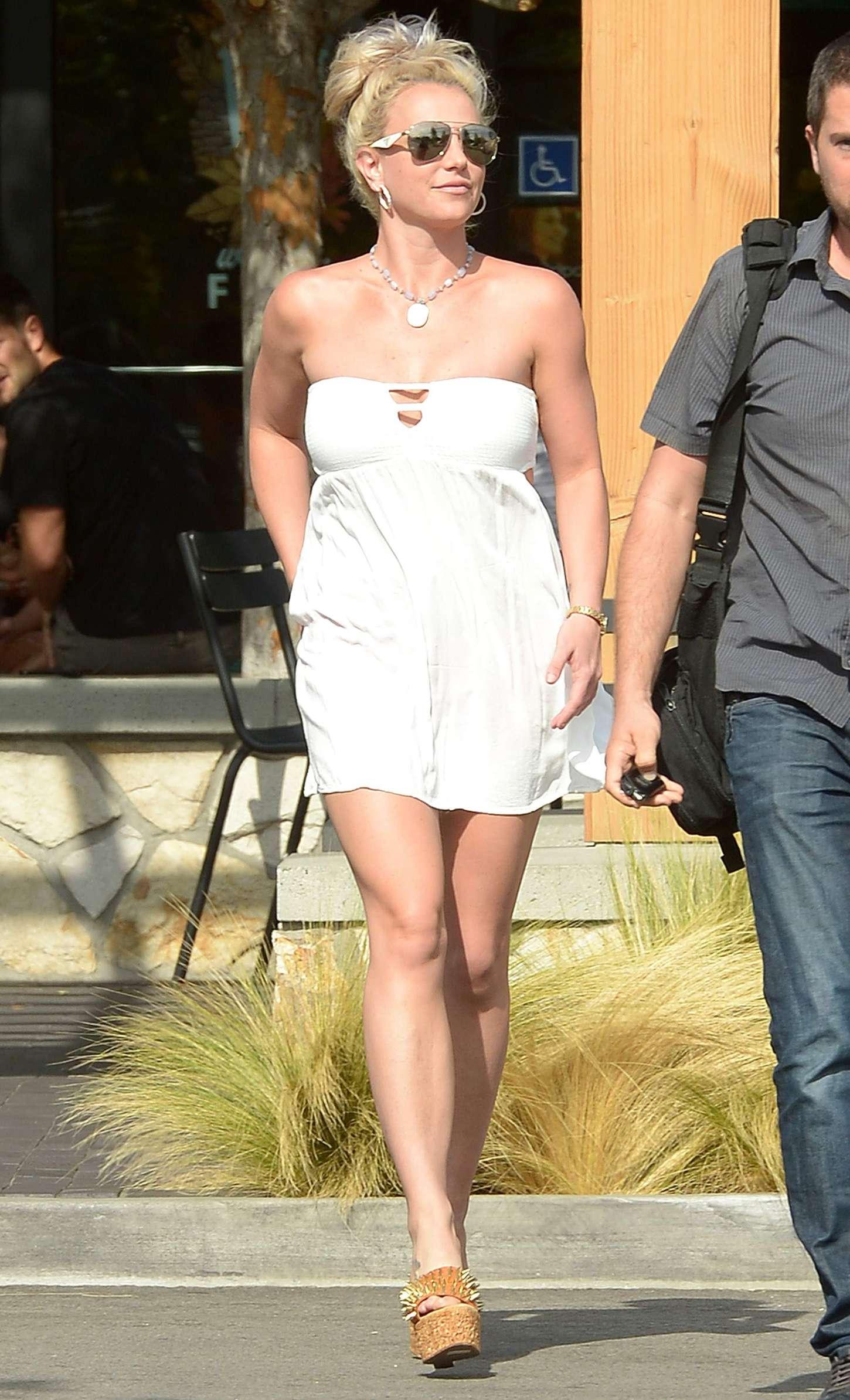 Britney Spears 2015 : Britney Spears in Short Dress -26