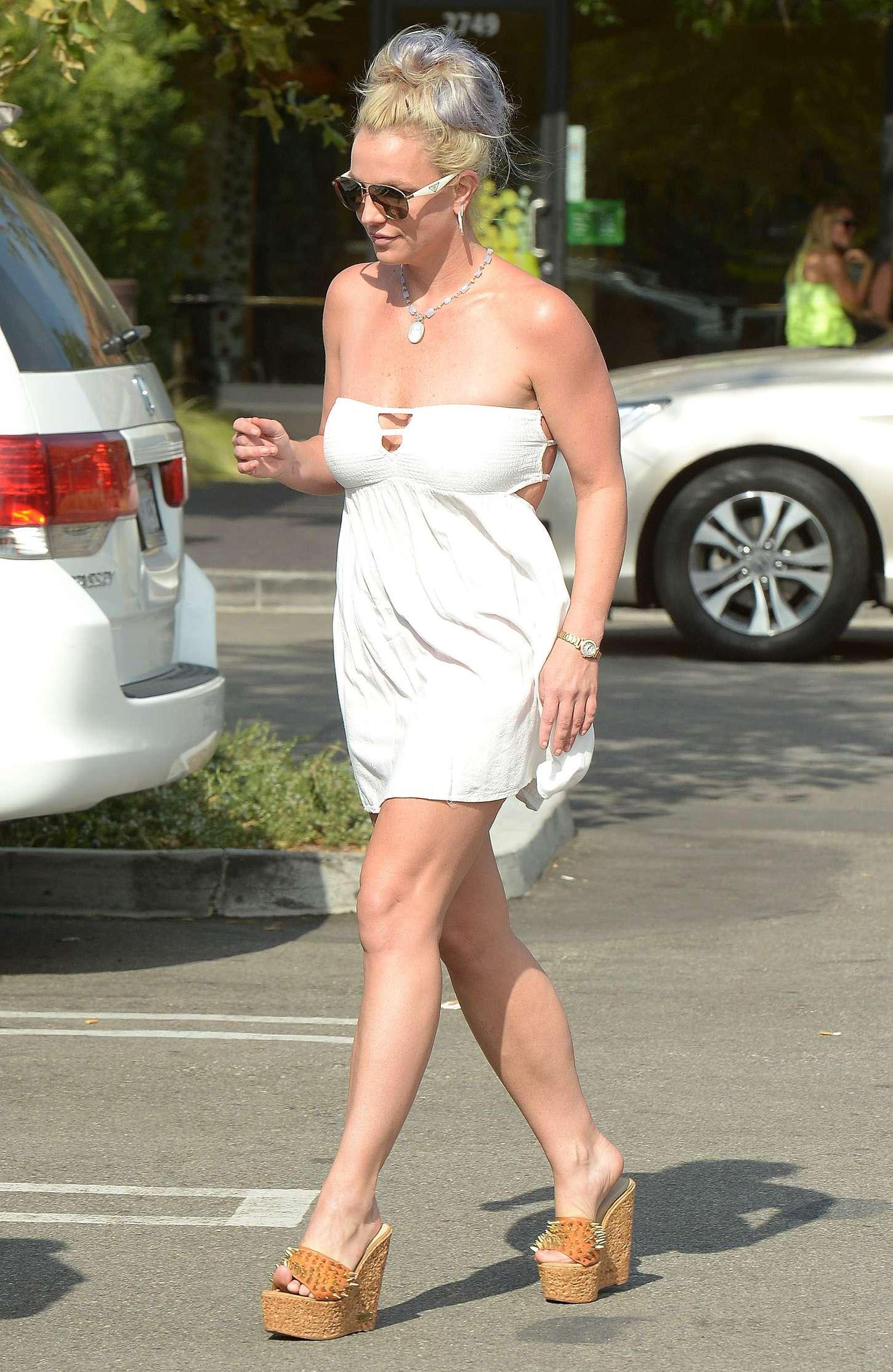 Britney Spears 2015 : Britney Spears in Short Dress -27