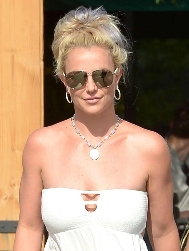 Britney Spears 2015 : Britney Spears in Short Dress -28