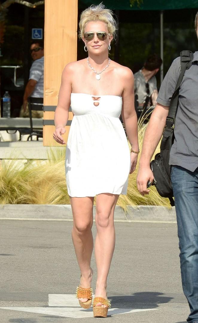 Britney Spears 2015 : Britney Spears in Short Dress -33