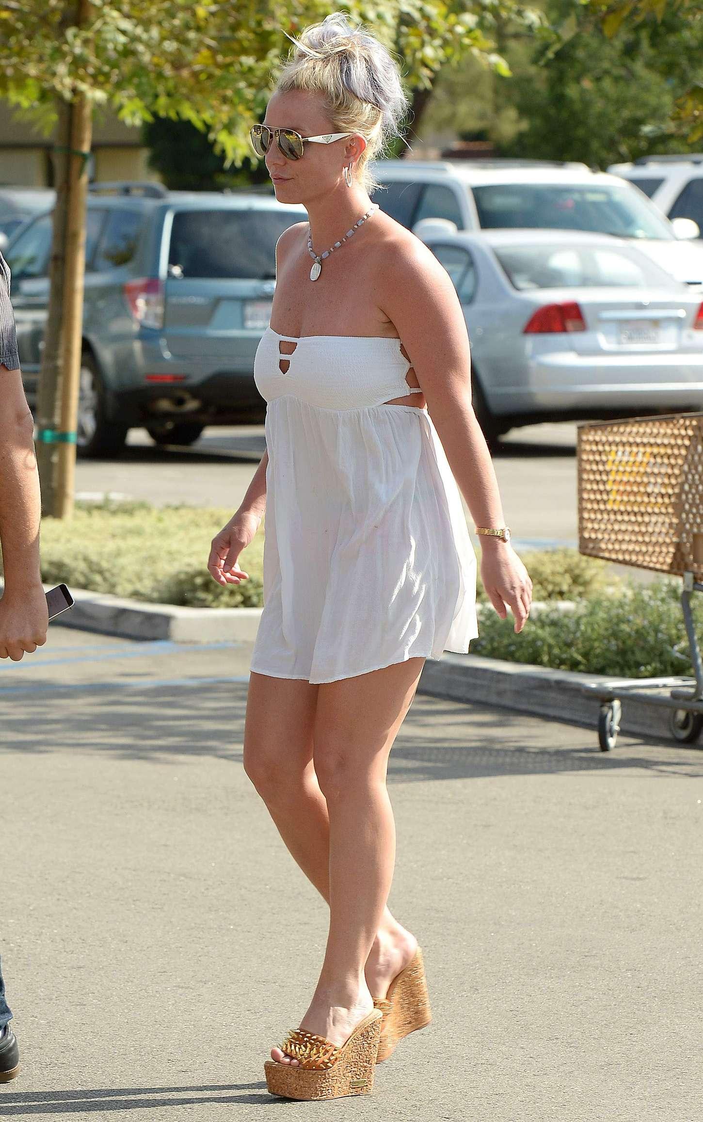 Britney Spears 2015 : Britney Spears in Short Dress -34