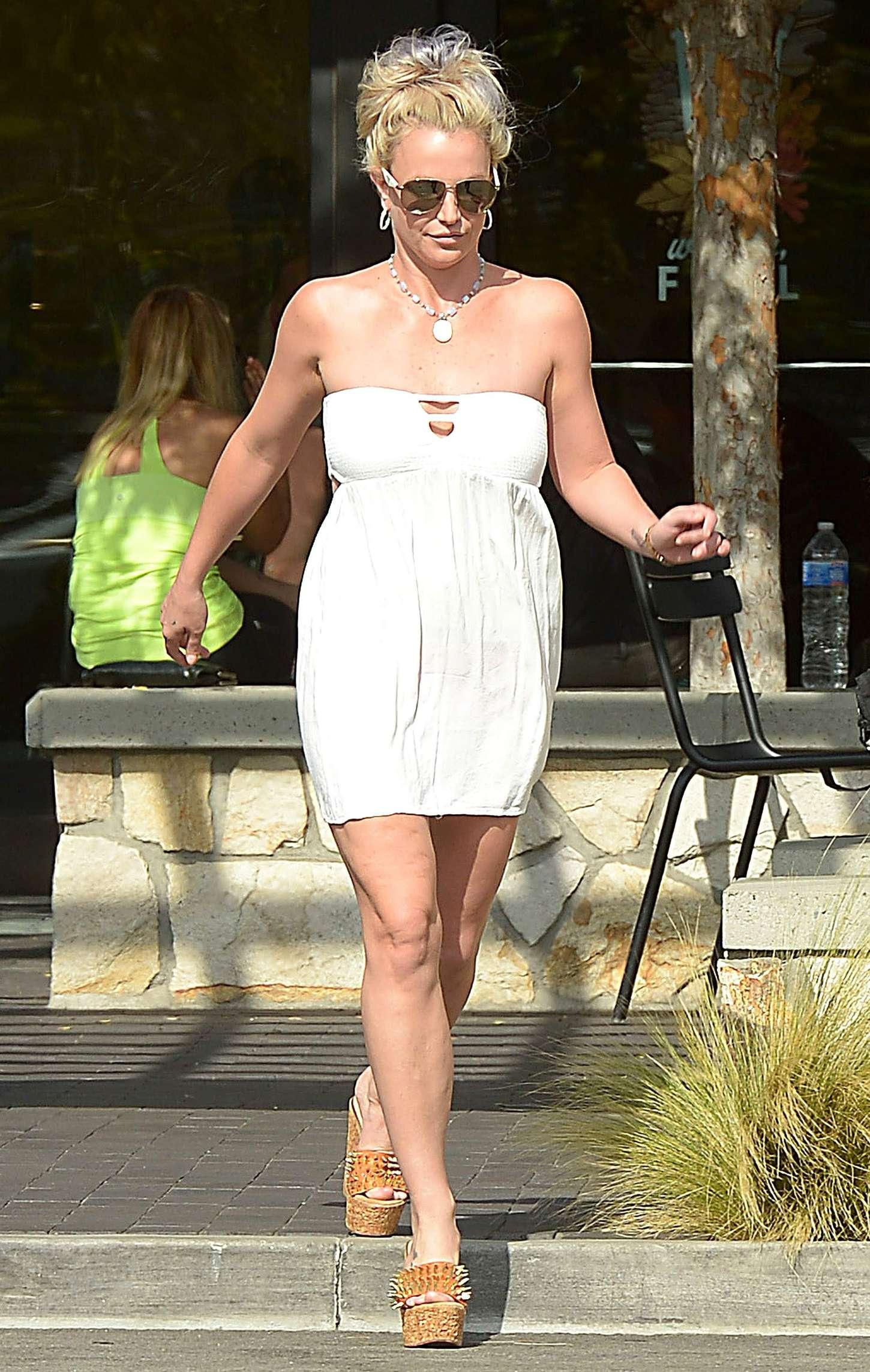Britney Spears 2015 : Britney Spears in Short Dress -36