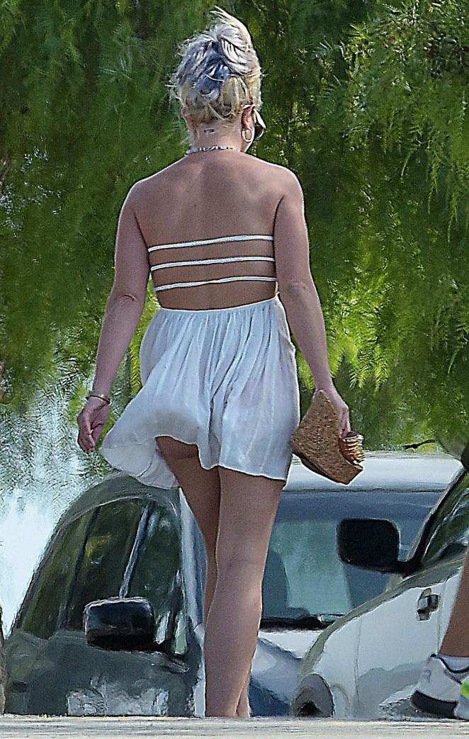 Britney Spears 2015 : Britney Spears in Short Dress -40