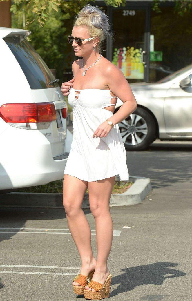 Britney Spears 2015 : Britney Spears in Short Dress -42