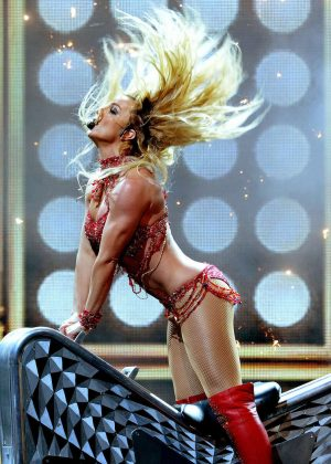 britney spears performance at 2016 billboard music. Black Bedroom Furniture Sets. Home Design Ideas