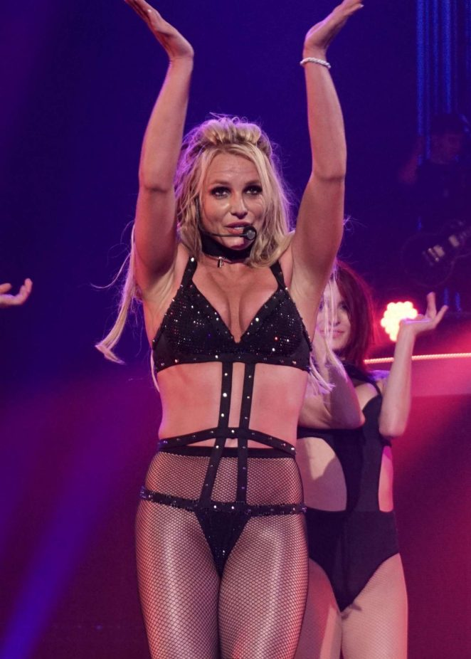 Britney Spears - Performing at Axis Theatre in Las Vegas