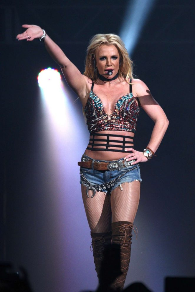 Britney Spears - Performing at Now! 99.7 Triple Ho Show in San Jose